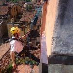 Montaggio pensilina in rame in via delle tovaglie a Bologna 2