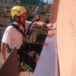 Montaggio pensilina in rame in via delle tovaglie a Bologna
