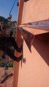 Montaggio pensilina in rame in via delle tovaglie a Bologna 4